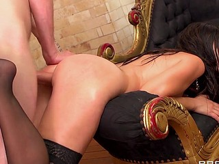 Eloa like to tease with her large and admirable butt. After a good solo play, this babe wants dick and that's what this babe gets. This sexy French a-hole gets what it merits!